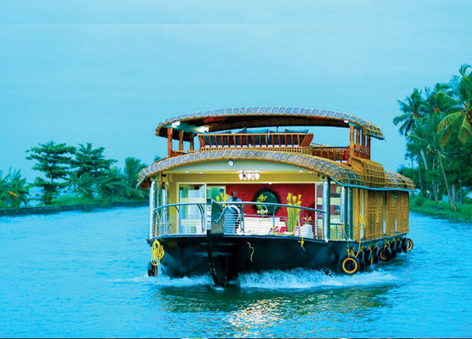 luxury houseboat kerala