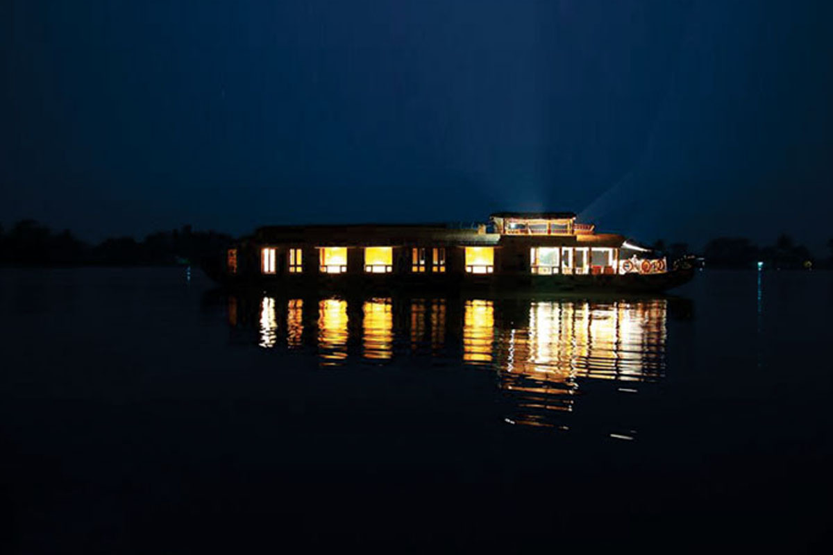 boathouse in kerala